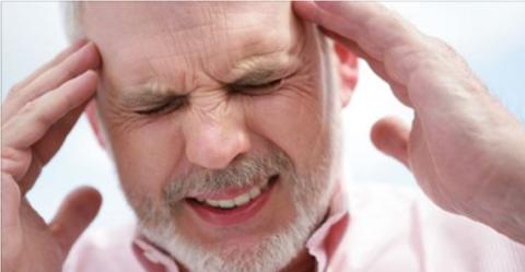 Частые головные боли пульсирующего характера могут свидетельствовать о развитии гипертонии