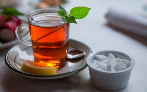 Некрепкий подслащенный чай