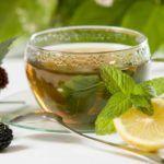 Правильно заваренный зелёный чай способствует нормализации АД.