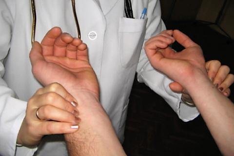 В норме PS на разных руках должны быть одинаковыми, но другие характеристики могут отличаться