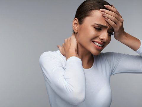 Очень часто при кардионеврозе сильно болит голова