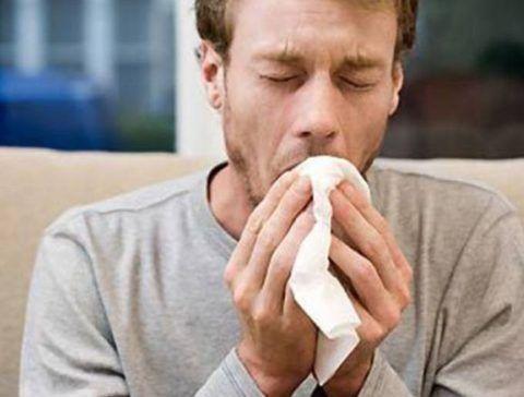 При астматическом инфаркте беспокоит кашель.