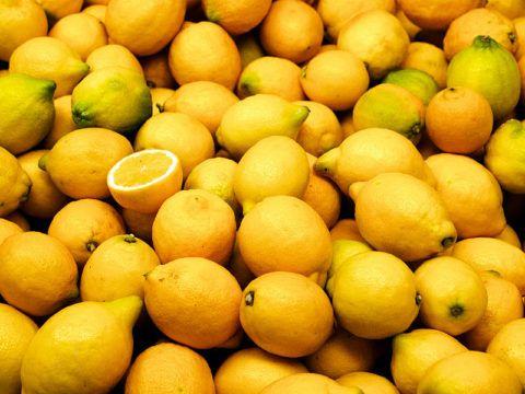 Лимон - очень полезный фрукт для человеческого организма