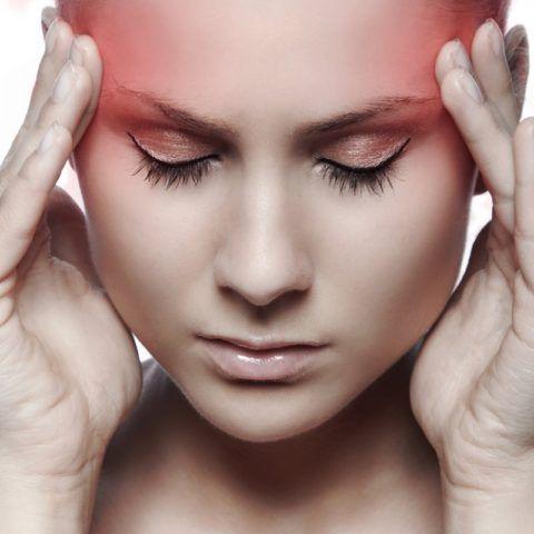 Головная боль может быть признак, как повышенного, так и пониженного давления.