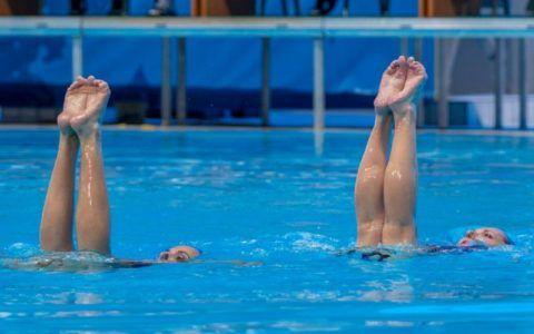 Плавание – щадящий вид спорта для людей с больными суставами.
