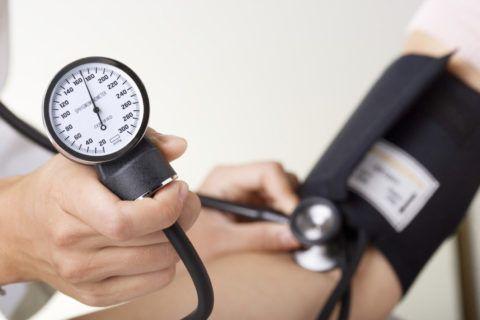 Многие факторы могут стать причиной повышенного давления
