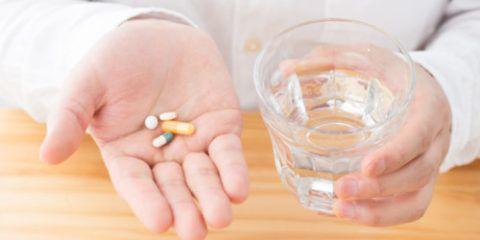 Прием лекарств.