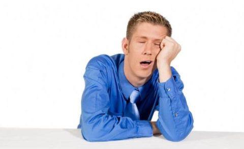 Сонливость и упадок сил при резких скачках давления и нехватке питания в крови