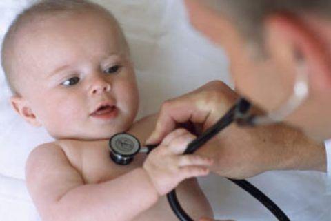 Стетоскоп для аускультации малышей значительно меньше взрослого
