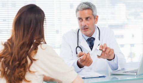Врач- кардиолог на приеме