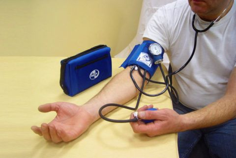 По мнению медицинских работников метод измерения давления по Короткову считается самым надежным и достоверным.