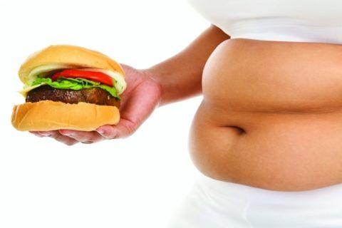 Лишний вес повышает нагрузку на сердце.