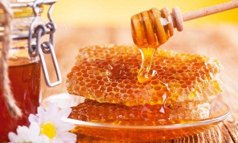 При терапии ССЗ должен использоваться только натуральный мед без примеси сахара.