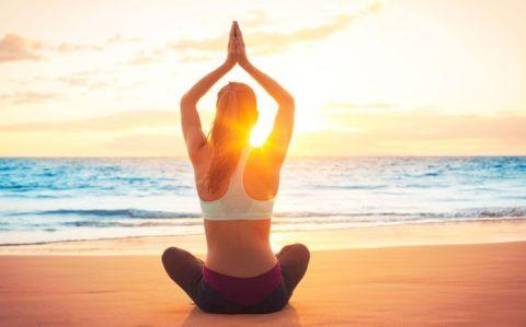 Йога при гипертонии должна включать специальные упражнения, которые не повышают артериальное давление.