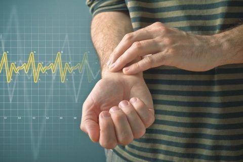 Частота пульса при узловой тахикардии может достигать 250 ударов в минуту