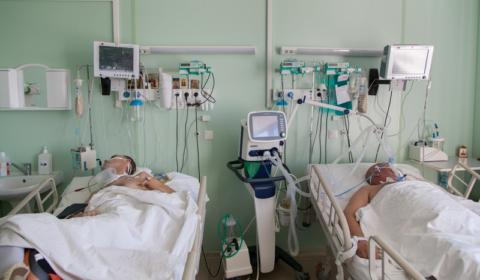 После кардиогенного шока ведется постоянный мониторинг давления, сердцебиения и работы почек