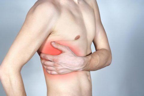 При межреберной невралгии боль в груди будет усиливаться при поворотах и наклонах